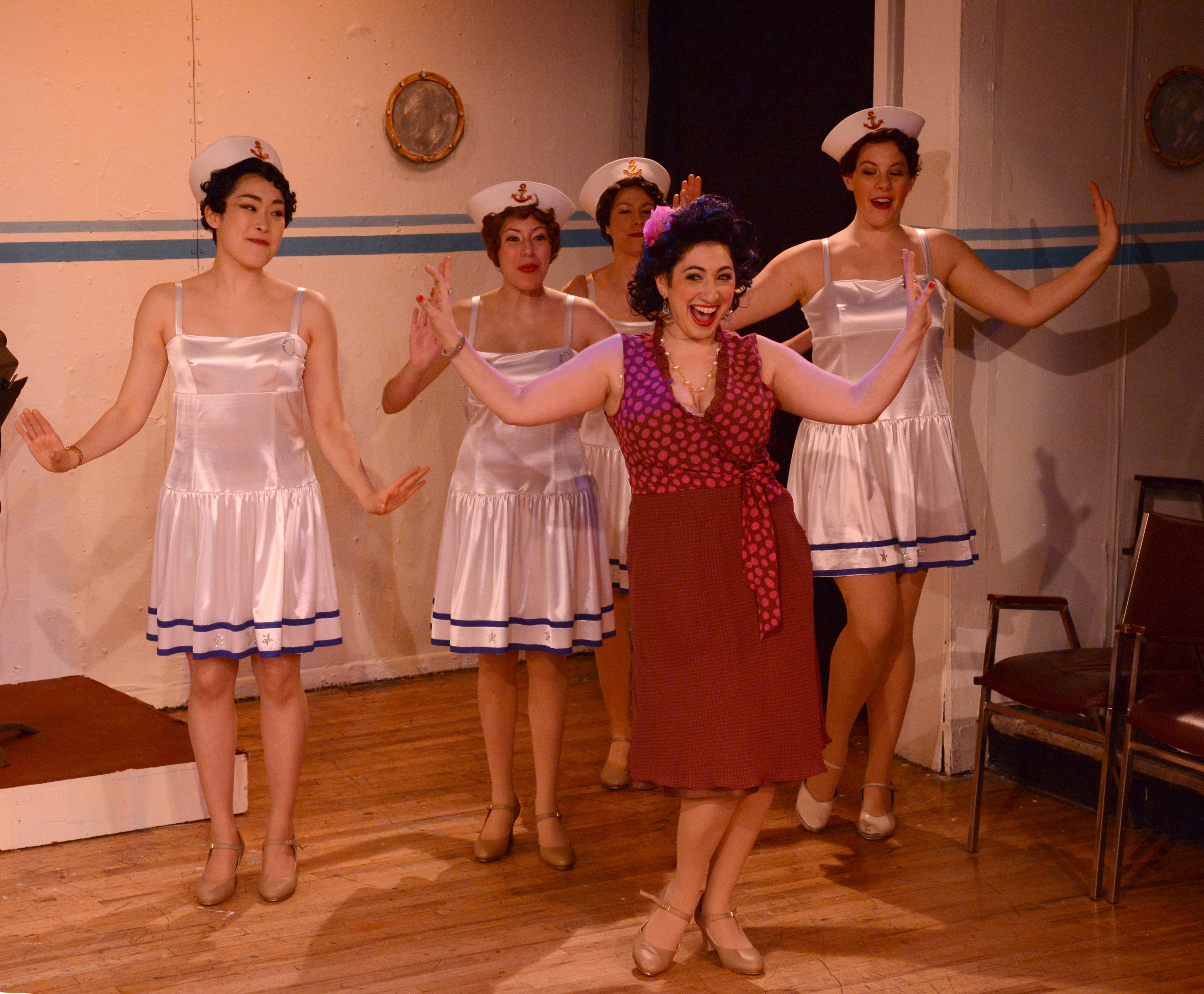 """A View from the Cliff: Heights Players' """"Anything Goes"""""""